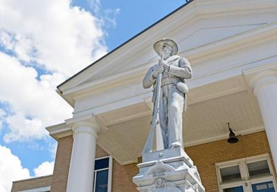 Confederate statue at the Tazewell County Courthouse