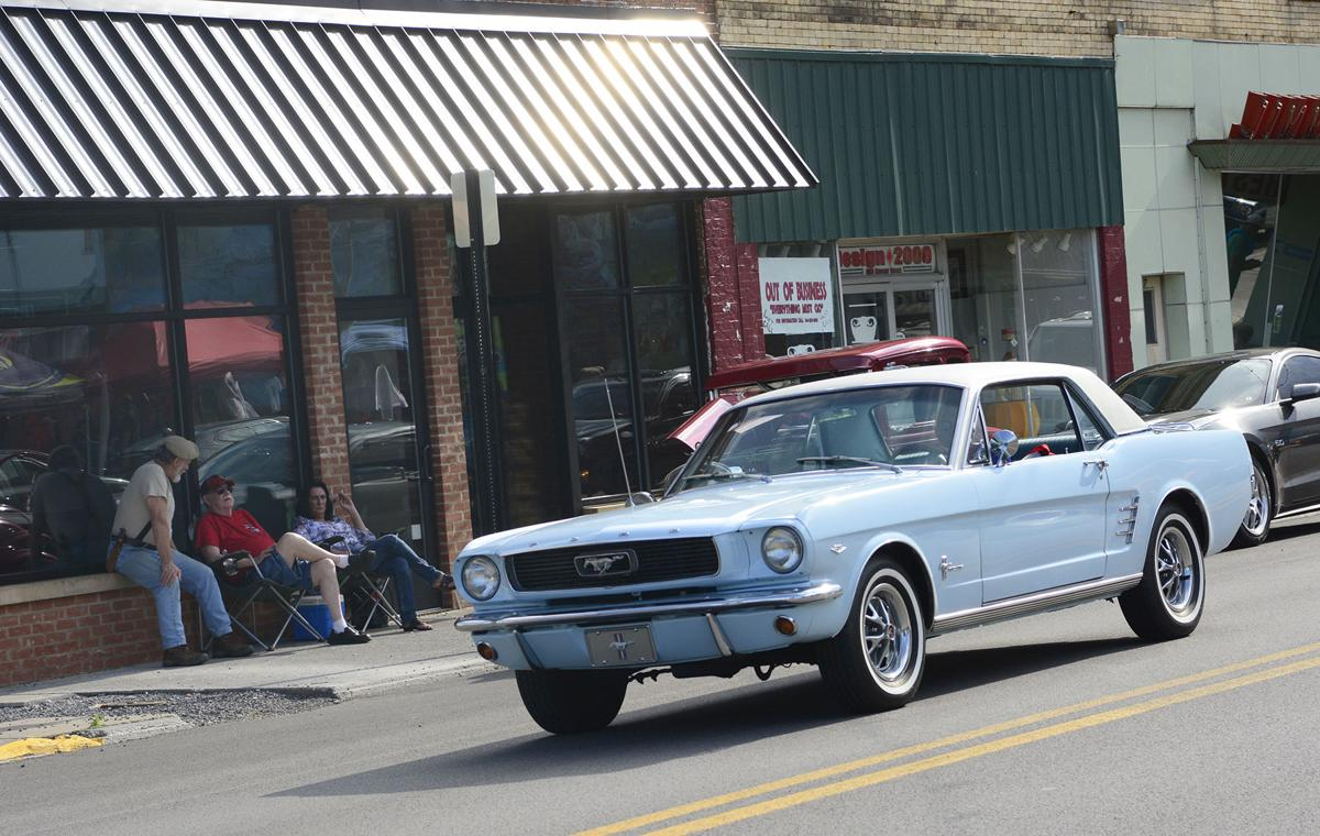Hot rods and classics heat up Mercer Street | News | bdtonline.com