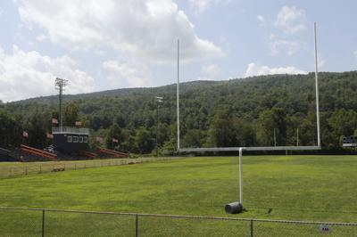 Bland football field empty