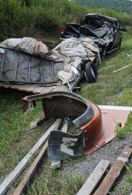 One injured in three-vehicle I-77 crash | News | bdtonline com
