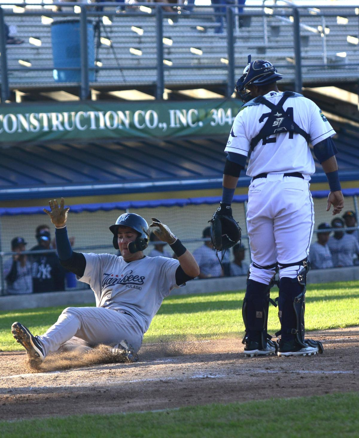 Rays split twinbill with yankees sports bdtonline constructing a run malvernweather Gallery