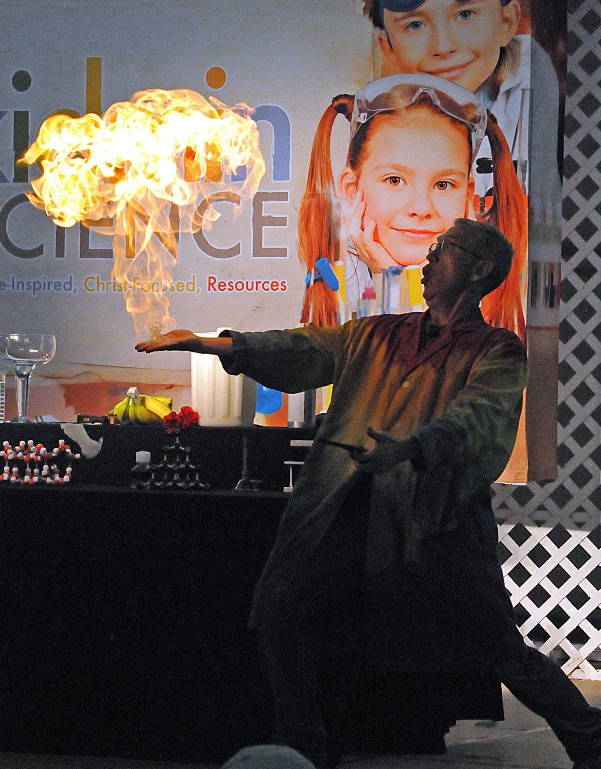 Eric Amazing Chemestry Show.jpg
