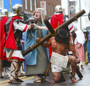 Crucifixion reenactment moves the citizens of Princeton