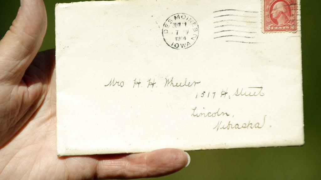 Century-old letter appears in Lincoln mail carrier's stack