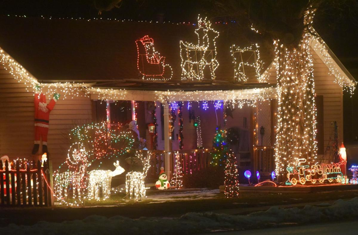 Holiday lighted tour