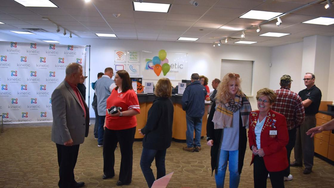 Windstream Celebrates Grand Opening Local News Beatricedailysun Com