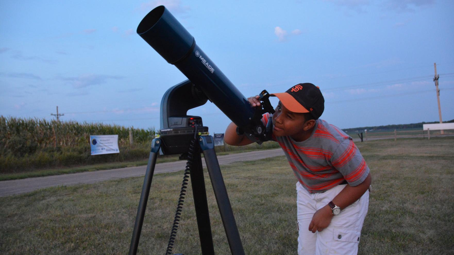 Connecticut family first to set up telescopes at Homestead