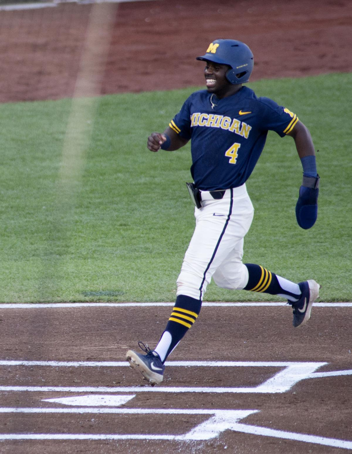 College World Series Championship, 6.26