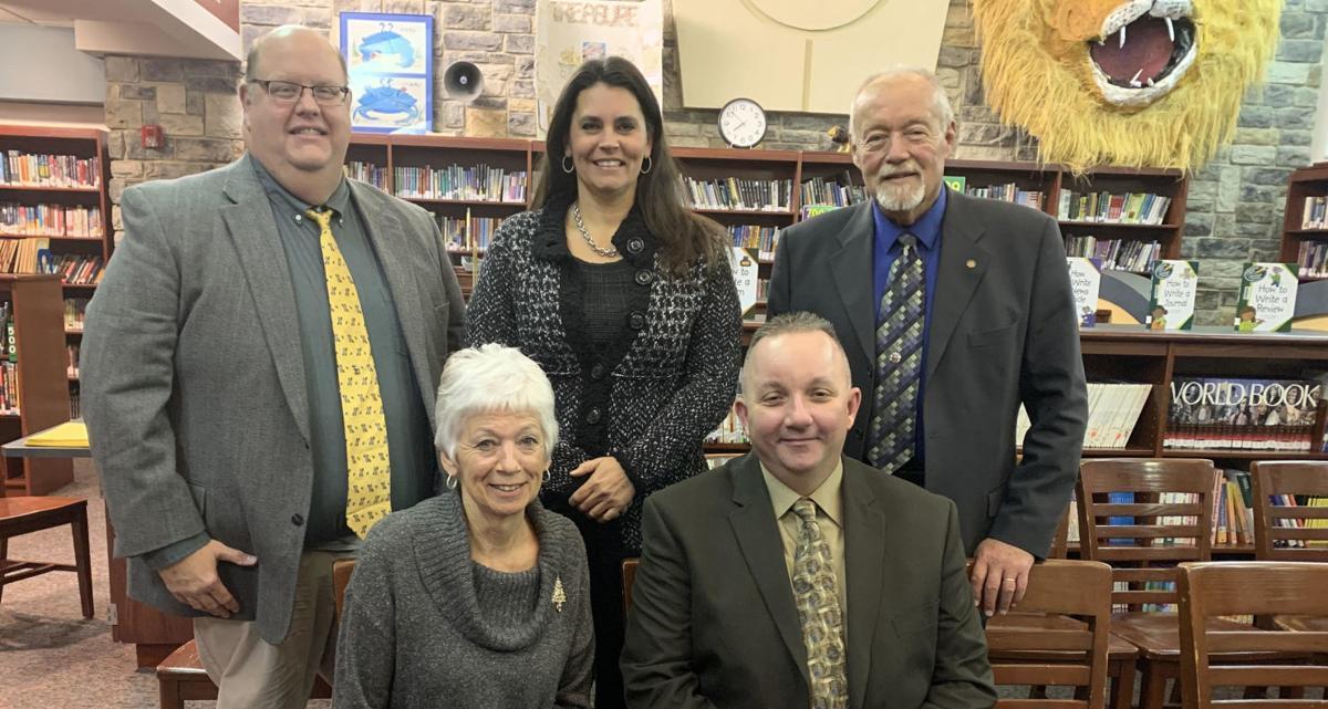 Ridge welcomes back 5 board members