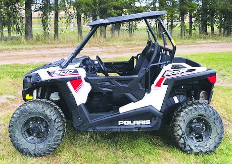 2015 900 Polaris RZR $8750 Excellent condition - 3400 miles