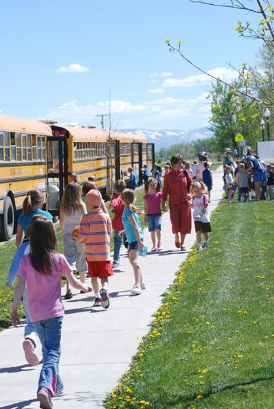 Belgrade school trustees to talk bus route, policy changes | Local