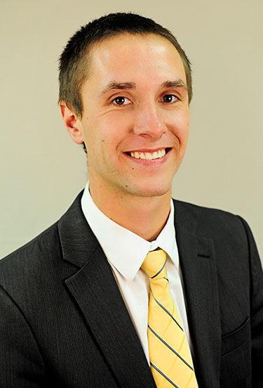 Zach Brown (D)