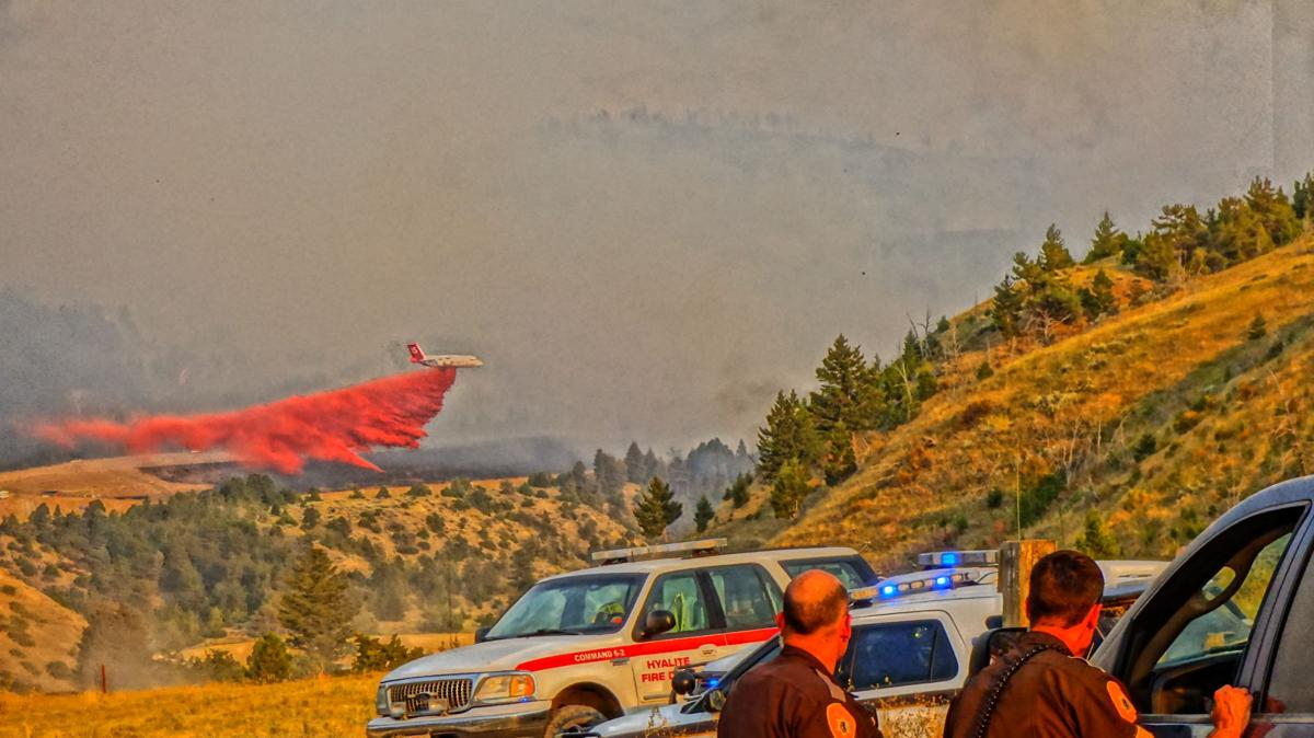 Clarkston fire slurry plane