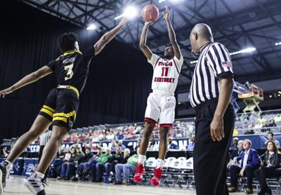 Hilltoppers defeat Southern Miss 70-59