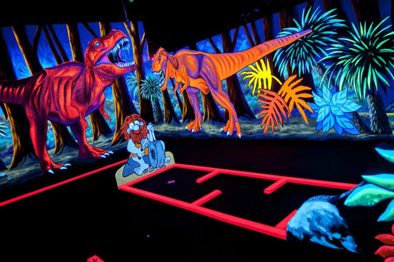 Black Light Mini Golf Offers 3 D Experience Community