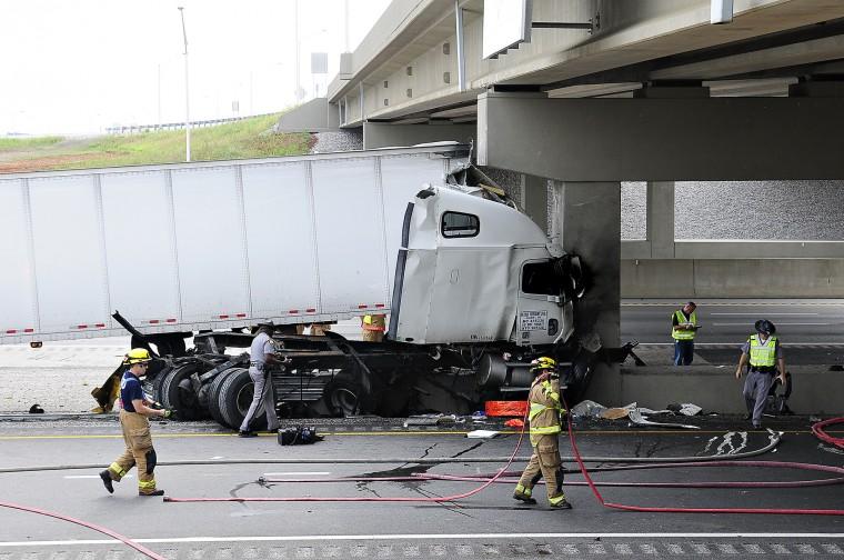 Driver killed in Interstate 65 crash | News | bgdailynews com
