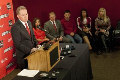 Petrino leaves WKU for 'destination job' at Louisville