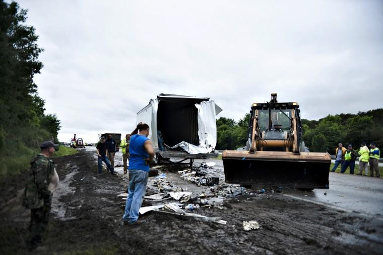I-65 crashes leave two dead | News | bgdailynews com