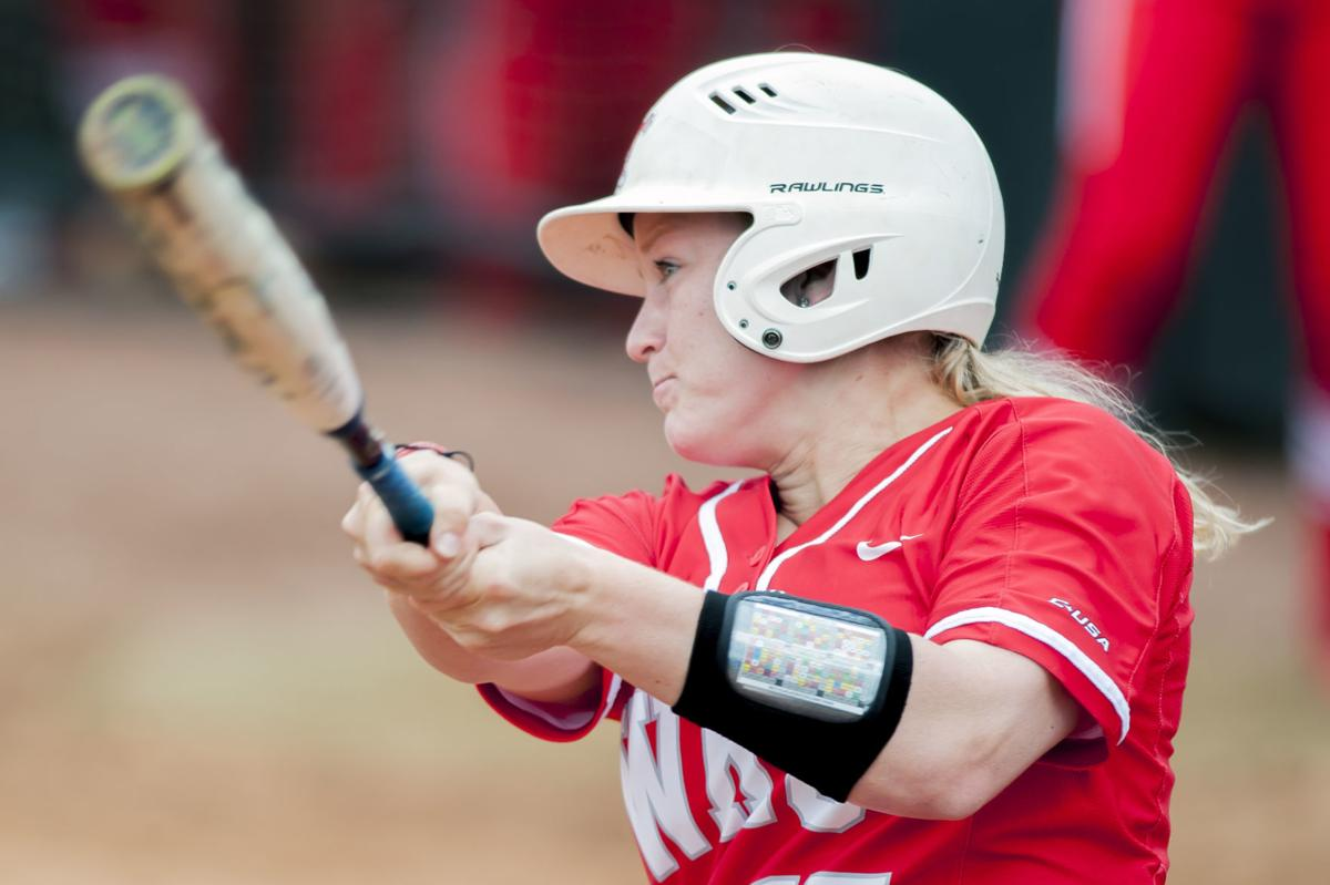 Softball: Western Kentucky 11-2 over Texas-San Antonio