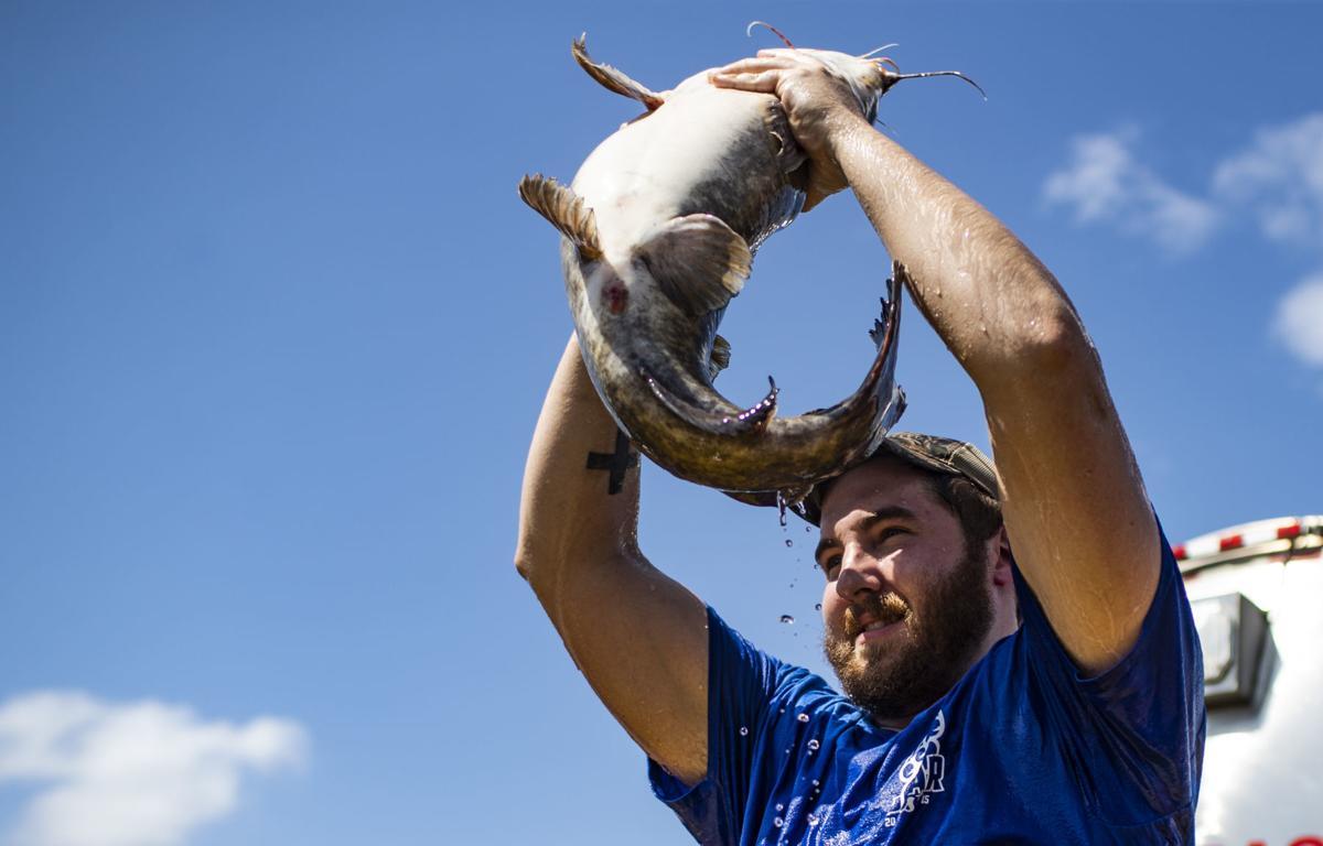 Catfish Wrastlin' at Green River Catfish Festival