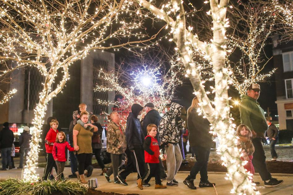 Christmas Lights Bowling Green Ky 2021 Downtown Lights Up Holiday Events To Bring City Together News Bgdailynews Com