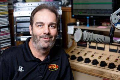 Longtime radio personality Steve Meredith dies