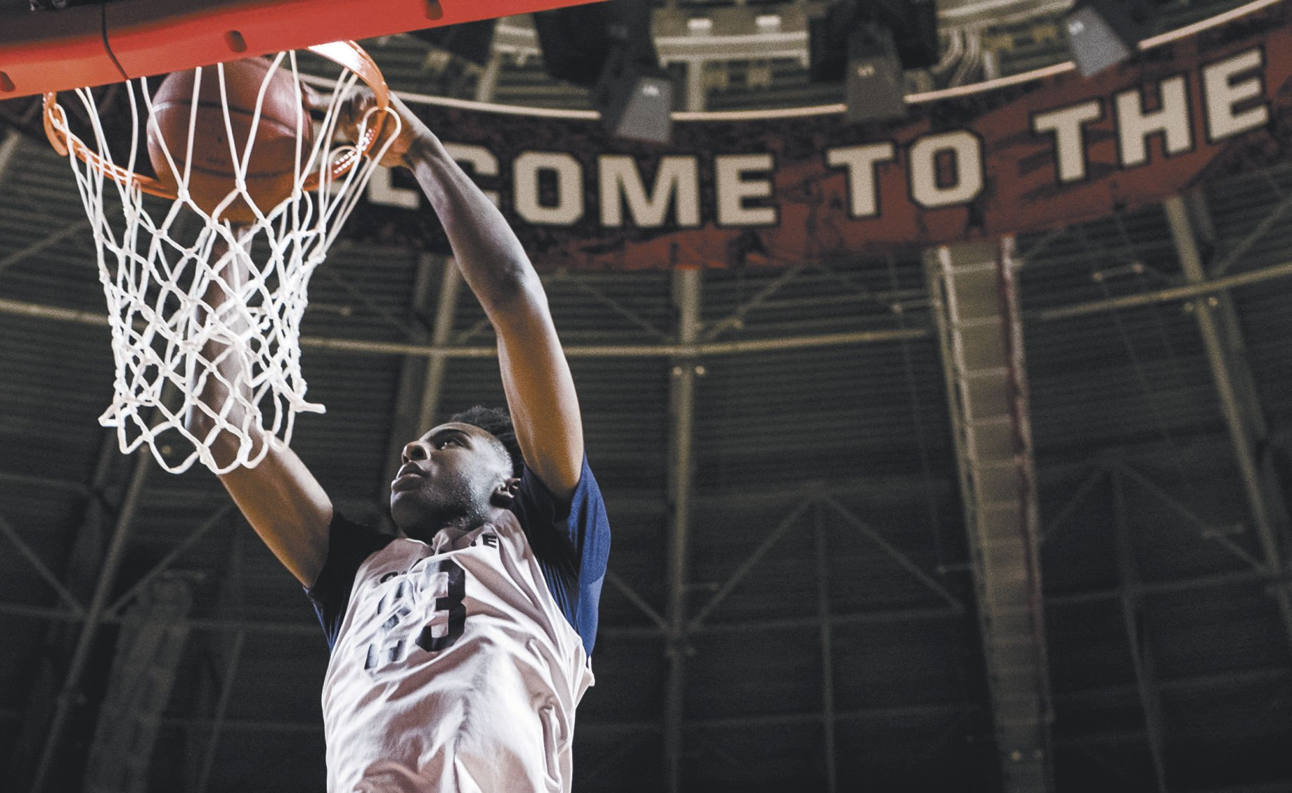 Mitchell Robinson returns to Western Kentucky a month after leaving campus