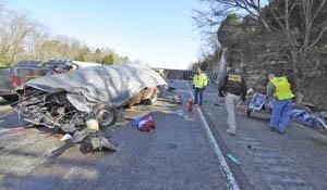 I-65 crash kills 11 | News | bgdailynews com