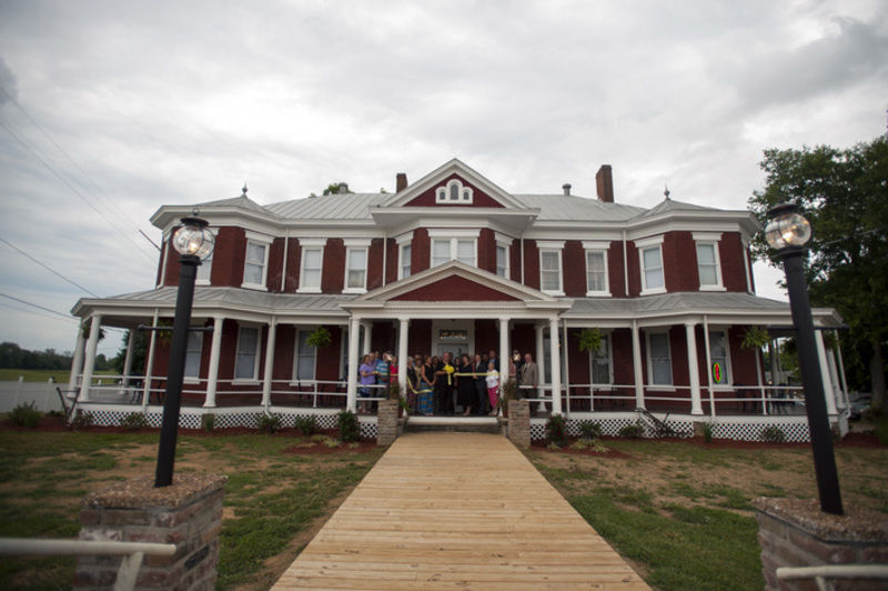 Broadway Bed And Breakfast Inn