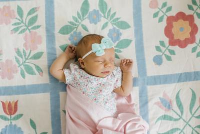 Davises announce birth of a daughter