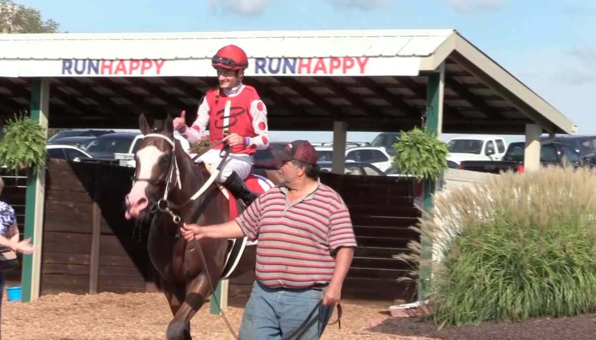 VIDEO: Snapper Sinclair wins Tourist Mile at Kentucky Downs