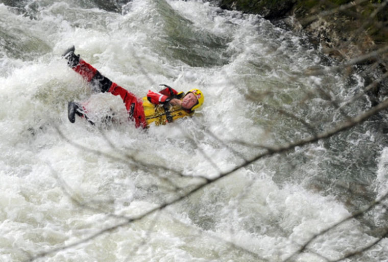 Two rescued at Barren River