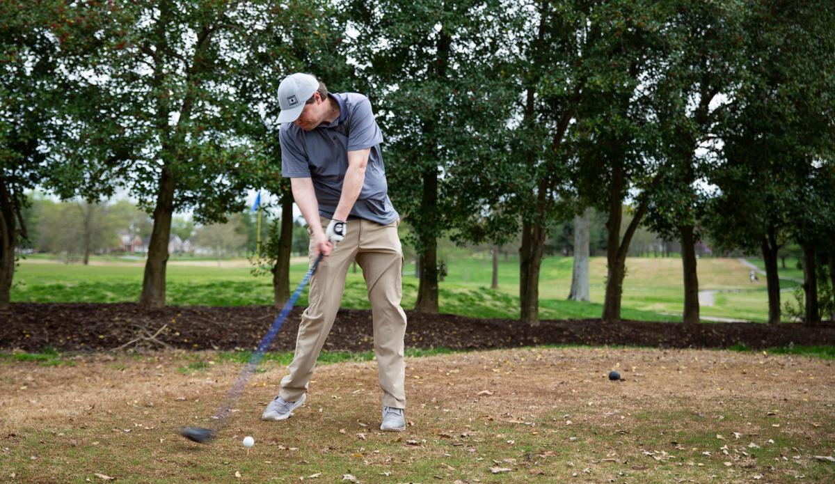 News_golf033120-7.jpg