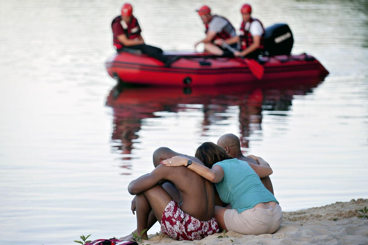 Teen boy's body found in Rivergreen lake