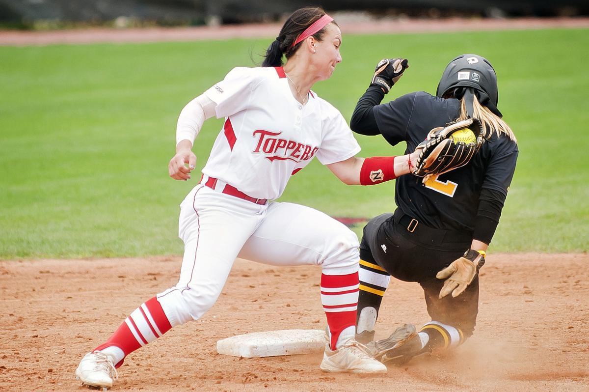 Softball, WKU 11 Southern Miss. 6
