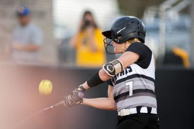 Prep softball: Warren East 7-3 over South Warren
