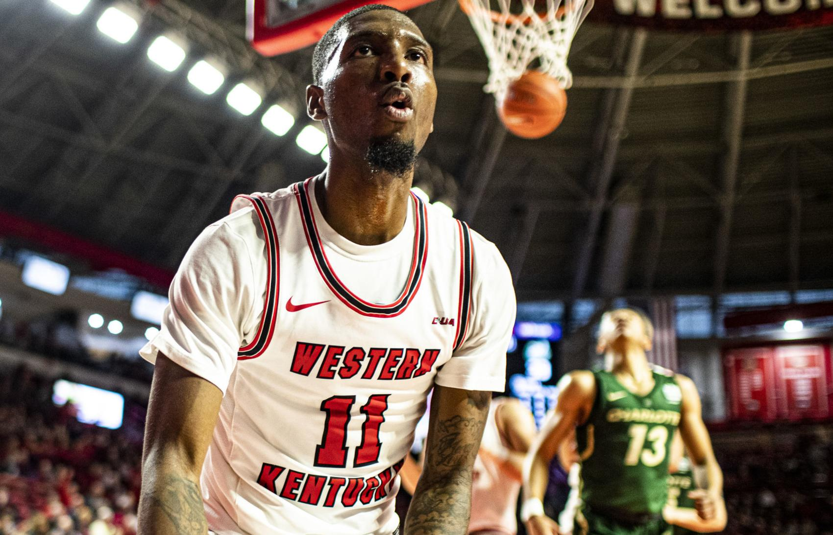 Hollingsworth goes off again to lead Hilltoppers over Charlotte 80-63