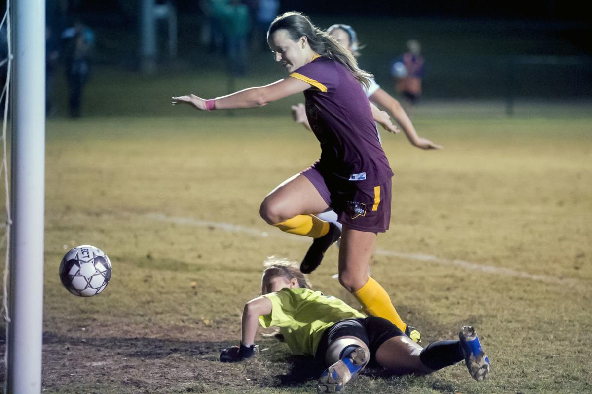 District 14 girls' championship: Greenwood 4-0 over Bowling Green