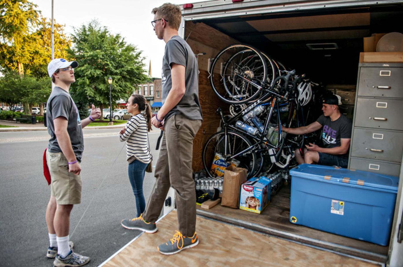 Students depart on 3,600 bike journey for Alzheimer's awareness