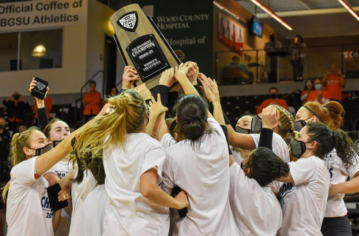 BGSU volleyball hoists MAC Championship trophy 4-3-2021