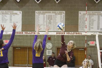 L-D volleyball season ends