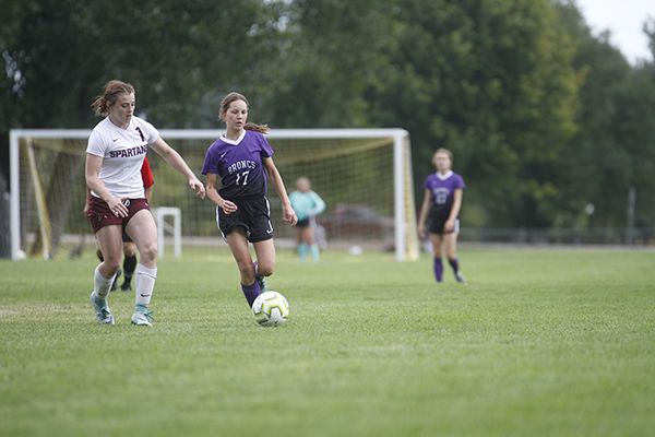 Spearfish girls shut out Broncs