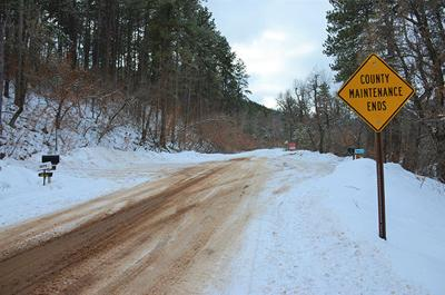 Higgins Gulch residents threaten to close road to public