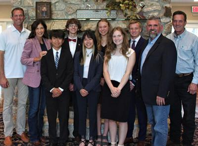 Spearfish debate state champs meet with Noem
