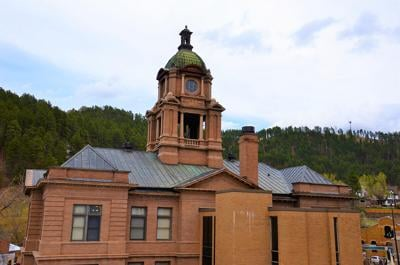 Lawrence County courthouse roof and masonry project to proceed