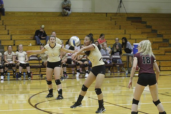 Diggers Volleyball top Spearfish