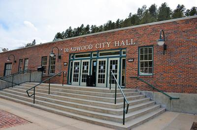 Deadwood does away with mask mandate at city hall, library