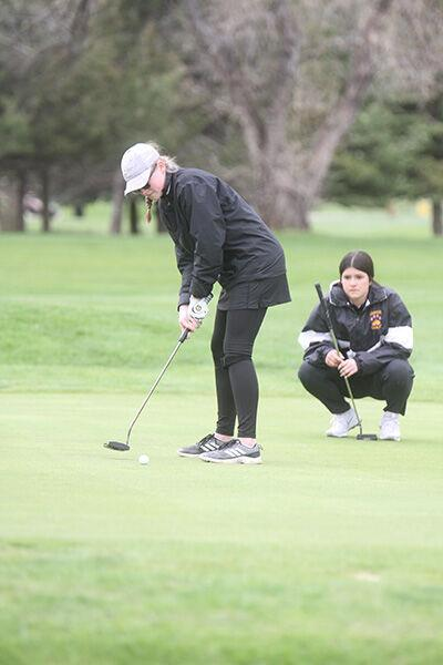 Spearfish places 12th at state AA golf tourney