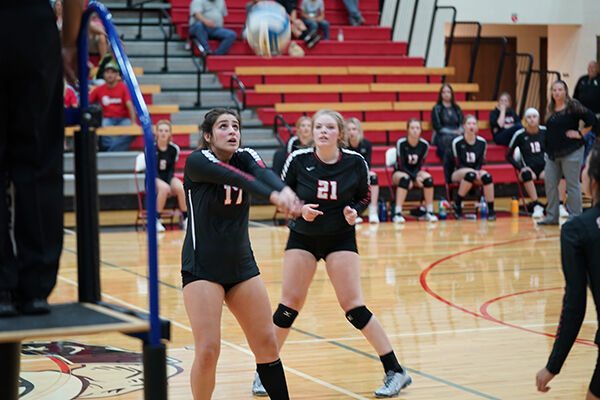 Spartan volleyball comes back from 2-0 deficit to defeat Sturgis