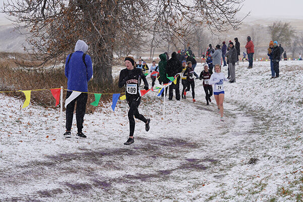 XC runners compete at state